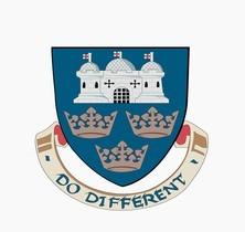 东英吉利大学的校徽