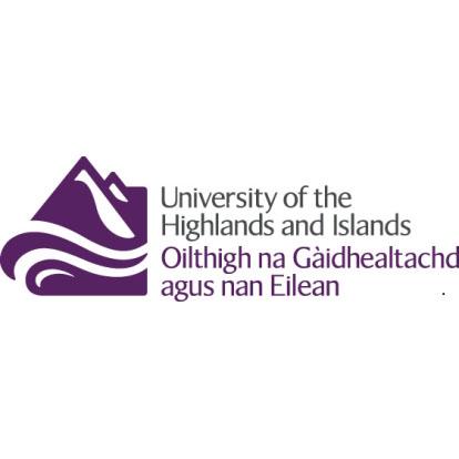 高地与群岛大学的校徽