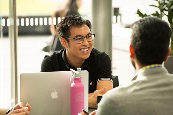 新白金汉大学硕士排名和学校主要特色